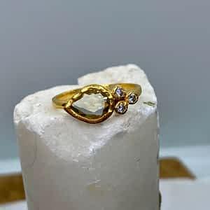 Dråbeformet ring, grøn ametyst